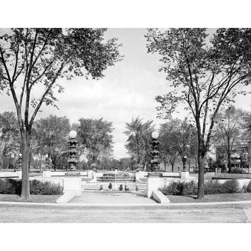 Gates Circle, c1915